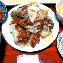 夕飯/餃子/フォロー大歓迎/わたしのごはん/おうちごはんクラブ/グルメ/... 今日の夕飯…♥♪  母が作ってくれた  …