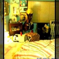 ガラゲー/インテリア/水色のペンキ壁/お部屋/昔のお部屋 昔のガラゲーを見ていたら  7年前のお部…