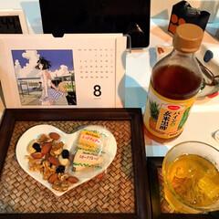 宅呑み推進委員会/お酒大好きクラブ/LIMIAペット同好会/にゃんこ同好会 本日の酒 パイン🍍&玄米黒酢に焼酎を少し…