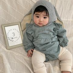 赤ちゃんのいる暮らし/女の子/娘の成長 明日で3ヶ月の次女🐇🌿 はやいな〜☁️う…