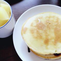 朝ごはん/フード 今日の朝ごはん🥞🍎 ホットケーキ りんご…