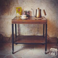 サイドテーブル/アメリカンヴィンテージ/ティータイム/トロリーテーブル/キッチンワゴン/アンスタカタログ/... 🇺🇸アメリカ買付 木製トロリーテーブル。…