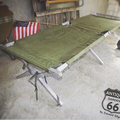 野戦ベッド/ベースキャンプ/米軍/キャンプギア/折りたたみベッド/ミリタリーコット/... 🇺🇸アメリカ買付 ヴィンテージ・USミリ…
