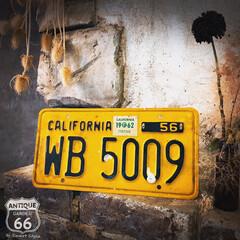 ガレージ/ライセンスプレート/ナンバープレート/カリフォルニアスタイル/アンスタカタログ/アンスタ/... 🇺🇸アメリカ買付 カリフォルニアの 古〜…