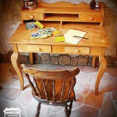 ヴィンテージ家具/コンソールテーブル/勉強机/キッズデスク/猫脚家具/猫足/... 🇺🇸アメリカ買付け 木製の猫脚デスク。 …