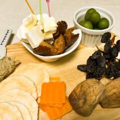 ワイン/オリーブ/ワインのおつまみ/イチジク/クルトン/クリームチーズ/... ワインのおつまみ盛り合わせ。 いただきも…