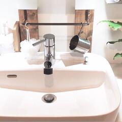 サニタリールーム/洗面所/DIY/セリア/100均/暮らし/... 洗面台をちょこっと模様替えしました。3枚…