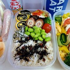 高校男子お弁当 米➡ 梅干しの炊き込みご飯on梅ひじき、…