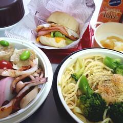 部活弁当/高校男子弁当/フォロー大歓迎/わたしのごはん 本日のお弁当 ①➡チーズin芋もち、蒲鉾…