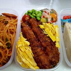 高校男子お弁当 米➡ じゃこと鰹節の海苔弁の上に更にご飯…
