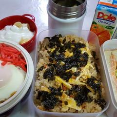 ウェイトアップ/部活弁当/高校男子弁当 本日のお弁当 ①➡炊き込みご飯  ②➡焼…
