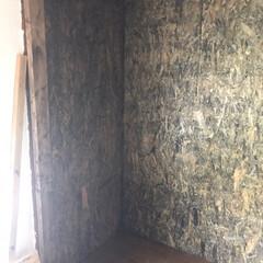 ニッペ ホームペイント ガーデニング木部用塗料 ローズガーデンカラーズ ステインタイプ 0.8L(ペンキ、塗料)を使ったクチコミ「二間続きの押入れを使いやすく見た目もカッ…」(3枚目)