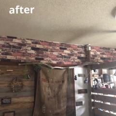 周り縁/発砲スチロール/マイルーム壁面/団地セルフリノベーション/フォロー大歓迎 マイルームの壁! 壁紙を貼ったけどなんか…