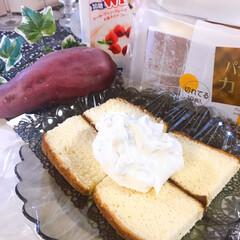 業務スーパー/生クリーム/さつまいもケーキ/カステラ/ケーキ/食欲の秋/... さつまいもケーキ作りました🍠 いや、包み…(4枚目)