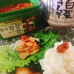 業務スーパー/サムギョプサル/サムジャン/白ネギ/キムチ/豚バラ肉 サムギョプサル~(*ˊᗜˋ)w  またま…