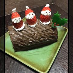 ケーキ/サンタクロース/ブッシュ・ド・ノエル/チョコレート/いちごサンタ/クリスマス/... 昨年のXmas🎶 サンタさん来た~🎅🏻 …