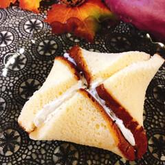 業務スーパー/生クリーム/さつまいもケーキ/カステラ/ケーキ/食欲の秋/... さつまいもケーキ作りました🍠 いや、包み…(3枚目)