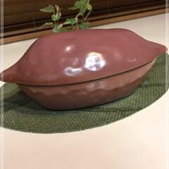 安納芋/焼き芋/さつま芋/電子レンジ10分/魔法の焼き芋鍋/フォロー大歓迎/... 安納芋の焼き芋...断面やばい♡ でも焼…(3枚目)