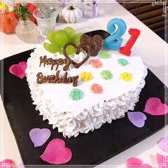 happybirthday/birthdayケーキ/シャインマスカット/レインボーケーキ/ハートケーキ/100均/... 21歳娘のお誕生日🎂おめでとう~ ハート…