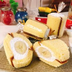 丸ごとバナナ/生クリーム/バナナ/切り出しカステラ/業務スーパー/ラク家事/... 丸ごとバナナ🍌 カステラの焼き色が模様に…
