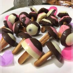 きのこの山/製氷器/卵パック/ビスケット/チョコレート/きのこちゃん/... 春~🌸 きのこ~🍄 きのこは秋か....…(2枚目)