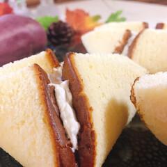 業務スーパー/生クリーム/さつまいもケーキ/カステラ/ケーキ/食欲の秋/... さつまいもケーキ作りました🍠 いや、包み…(2枚目)