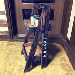 二段シェルフ/リメ缶 セリアの木製トレイと木板で二段シェルフと…(2枚目)