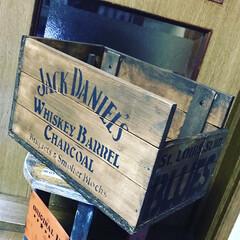 Jack Daniels/木箱 ホムセの端材で木箱作ってみました⭕️ダニ…