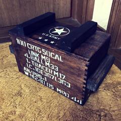リメイク/古い木箱/弾薬庫風 実家にあった古い木箱を弾薬箱風にリメイク…