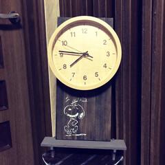 セリアのスノコ/壁掛け リビングの時計専用の壁掛けをセリアのスノ…(2枚目)