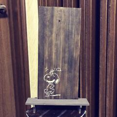 セリアのスノコ/壁掛け リビングの時計専用の壁掛けをセリアのスノ…