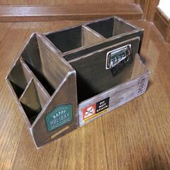 木箱/ボンド/セリア セリアの木箱五つボンドで接着して 塗り塗…