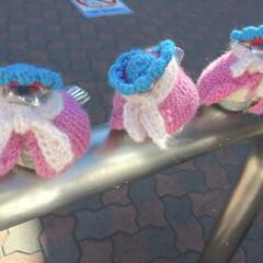 誰?/洋服/ハンドメイド/手作り/スズメ/江の島/... 江ノ電で有名な江ノ島駅にはスズメが乗った…