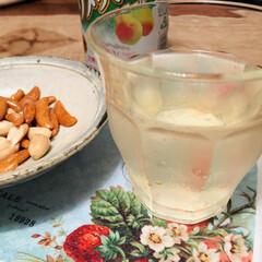 チョーヤ 酔わないウメッシュ 0% 350ml ○(ノンアルコール)を使ったクチコミ「梅酒と柿ピー!ぷはー!(*°∀°)=3 …」