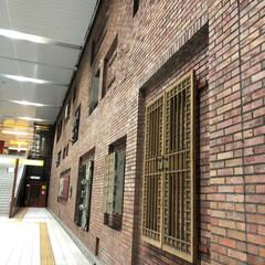 駅/おしゃれ/フォトスポット/レンガ/駅構内/フォロー大歓迎 このレンガの壁…駅構内なのですが、どこだ…