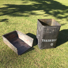 ステンシル/一斗缶リメイク/ガーデニング/作業部屋/玄関/ハンドメイド/... 庭で使っているゴミ箱です。 一斗缶をつや…(2枚目)
