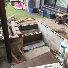 ビー玉/駐車場/階段/玄関/雑貨/DIY/... カーポートと庭をつなぐ階段です、以前は違…(3枚目)