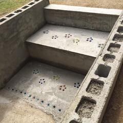 ビー玉/駐車場/階段/玄関/雑貨/DIY/... カーポートと庭をつなぐ階段です、以前は違…(10枚目)