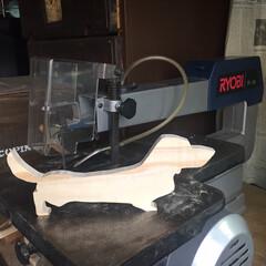 杉板/糸鋸盤/木工/雑貨/DIY/ハンドメイド/... 糸鋸盤をフリマで見つけゲット😃 以前飼っ…