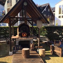 庭/石窯/ピザ釜/ピザ/DIY/リミアな暮らし 庭にピザ釜作りました。 基礎から屋根まで…