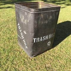 ステンシル/一斗缶リメイク/ガーデニング/作業部屋/玄関/ハンドメイド/... 庭で使っているゴミ箱です。 一斗缶をつや…(3枚目)