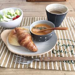 益子焼き/お気に入りの器/ビスク/クノールカップスープ/あんバターパン/アンティークのパン/... 自分の誕生日の日の特別なお昼ごはん♡ 外…