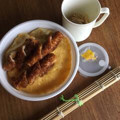 お弁当 ホルモン揚げ弁当🍱  竹輪揚げ、錦糸卵の…(1枚目)