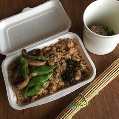 お弁当 コンビーフ、赤玉ネギ、卵の炒飯弁当🍱  …(1枚目)
