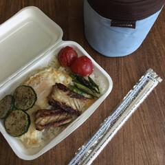 平成弁当/お弁当/みんなのお弁当 豚の生姜焼き弁当🍱  出し巻き三つ葉玉子…(4枚目)