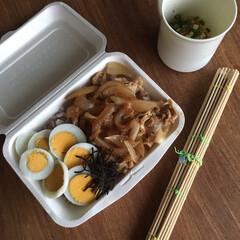 お弁当 生姜焼き丼弁当🍱  五穀米、茹で玉子、…(1枚目)
