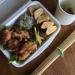 お弁当 唐揚げ弁当🍱  舞茸炊き込みご飯、ち…(1枚目)