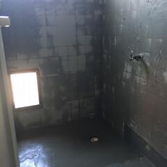 団地リフォーム/リノベーション/在来浴室/浴室/住まい/リフォーム 築45年の在来浴室をリフォーム中。 狭小…