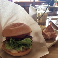 ランチ/ハンバーガー/チキン/おでかけ/フード 久しぶりのチキンペッカー チキンが熱々で…