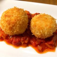 簡単/オーブン/揚げない/リゾット/トマトソース/トロトロチーズ/... トロトロチーズのライスコロッケ。  余り…